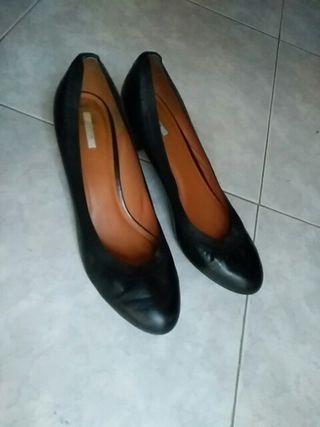 Zapato salón de piel Geox T41