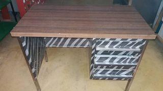 mesa escritorio de madera de formica y chapa