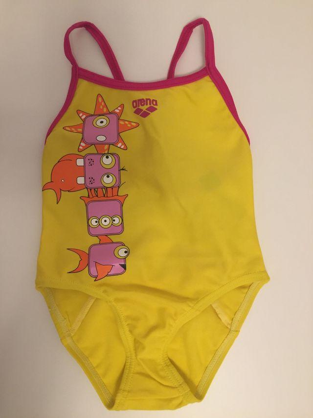 02a753d6d Bañador natación bebé niña ARENA Talla 1-2 de segunda mano por 5 ...