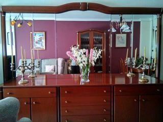 mueble y mesa de salon de madera