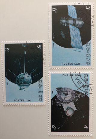 Lote de 3 sellos CTO de Laos- espacio