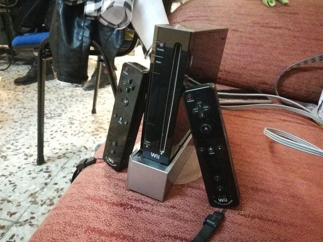 Wii + 2 mandos