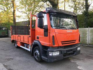 Camión Iveco 120E18 4X2 Grua Plataforma