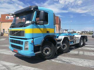 Camión Volvo FM12 8x2 Gancho Multilif