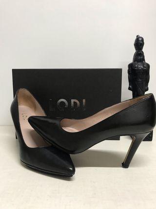 89a284f2847a5 Zapatos de tacón negros de segunda mano en Ponferrada en WALLAPOP