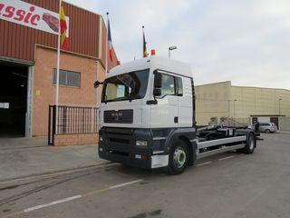 Camión MAN TGA 18.400 4x2 Gancho Multilif