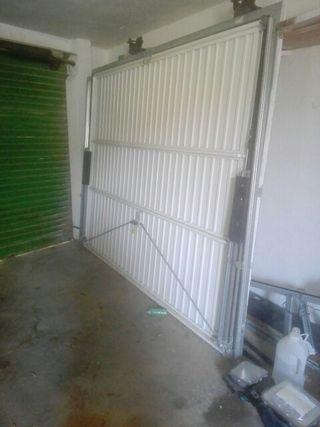 puerta garaje con mando eléctrico.656343608