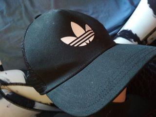 gorra negra original adidas