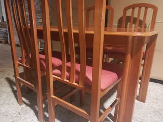 mesa comedor + 4 sillas.