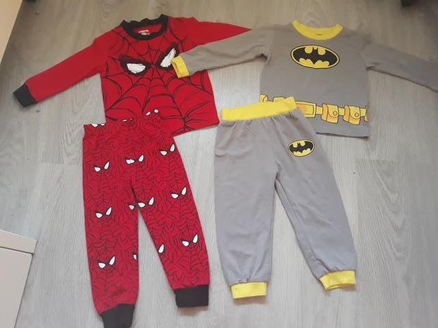 91725bb21 Pijamas bebé 18 meses de segunda mano por 5 € en Zaragoza en WALLAPOP