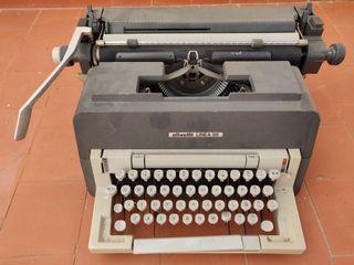 Máquina de escribir Olivetti linea 98