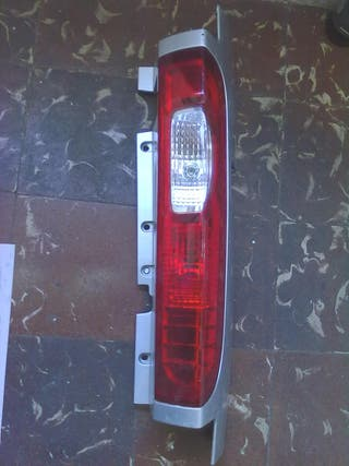 STOP TRASERO RENAULT TRAFIC II 2011-2014