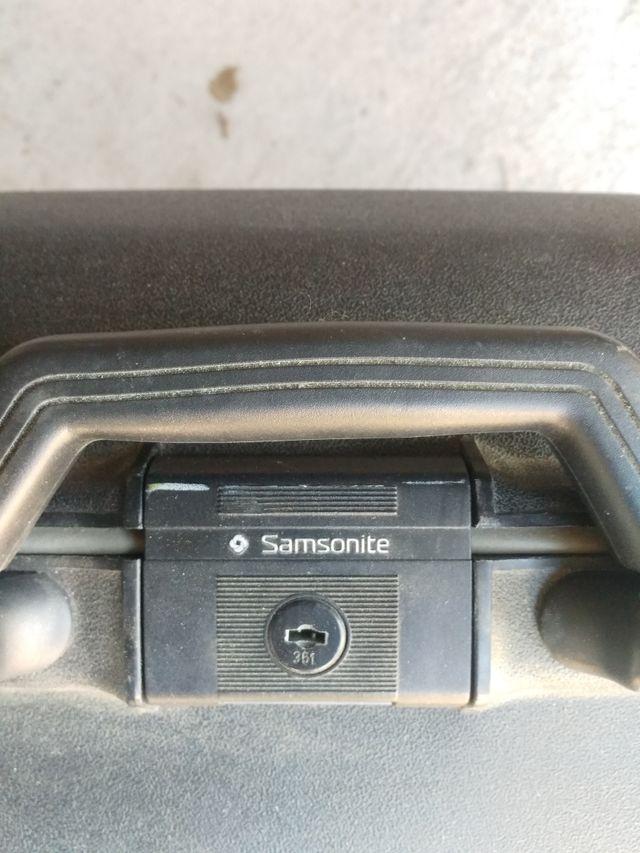 maleta Sansonite