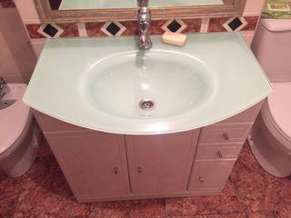 Mueble baño con lavabo cristal