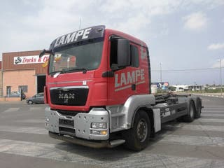 Camión MAN TGS 26.400 6X2 gancho multilif