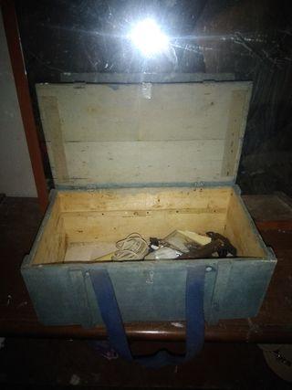 Caja de herramientas antigua