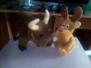 Peluches búfalo y reno