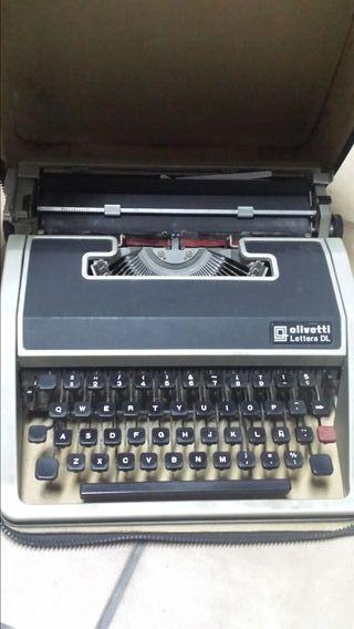 Máquina Escribir Olivetti Letter DL.