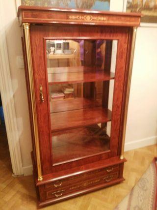 vitrina madera marqueteria