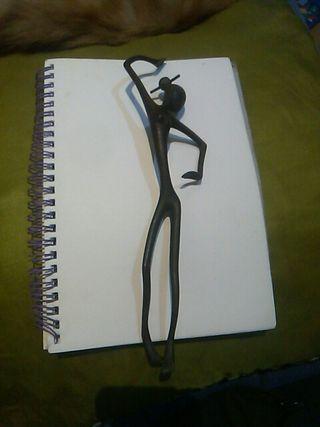 antigua figura de bronce
