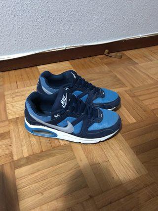 free shipping 52b97 f5b2b Zapatillas Nike Air de segunda mano en Pamplona en WALLAPOP