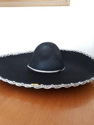 Sombrero de mariachi de segunda mano en WALLAPOP c3a41294db2