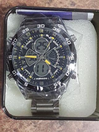 reloj deportivo metalico con estuche nuevo