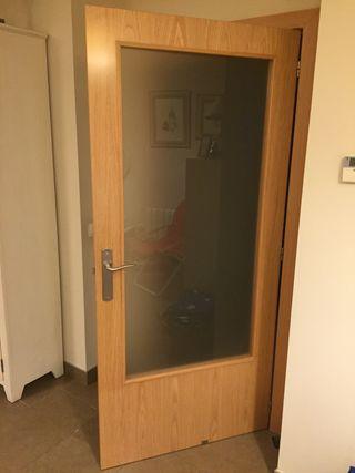 Lote de 10 puertas de paso interiores de madera de segunda for Puertas de paso segunda mano