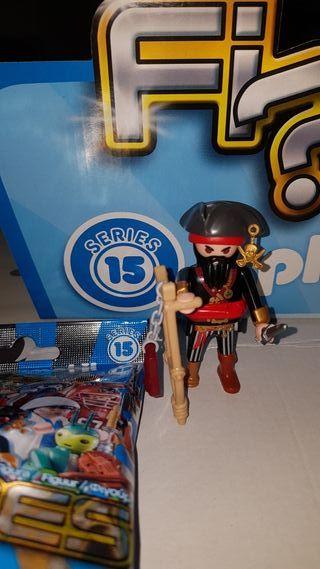 playmobil serie 15 chico pirata pata palo nuevo