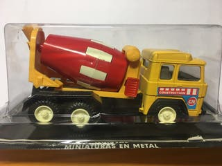 Camion hormigonera truck con mecanismo giratorio