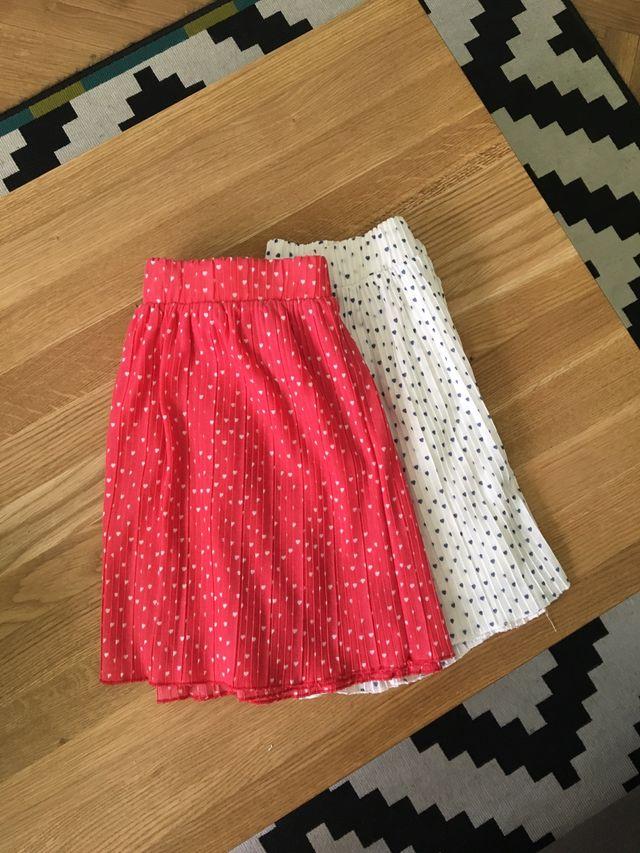 d35f6b9b6 Faldas mini plisadas de Zara Talla S de segunda mano por 8 € en ...