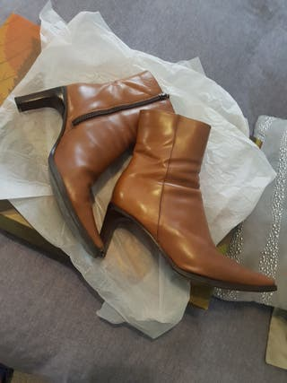 Botas y botín.