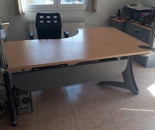 Mesa para oficina de segunda mano en Lloret de Mar en WALLAPOP