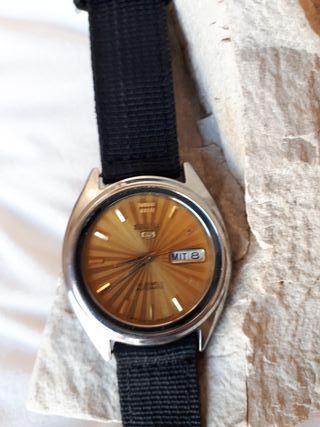 Reloj Seiko 5 automático.