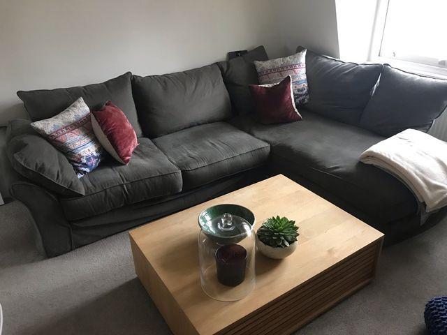 Sofa right corner