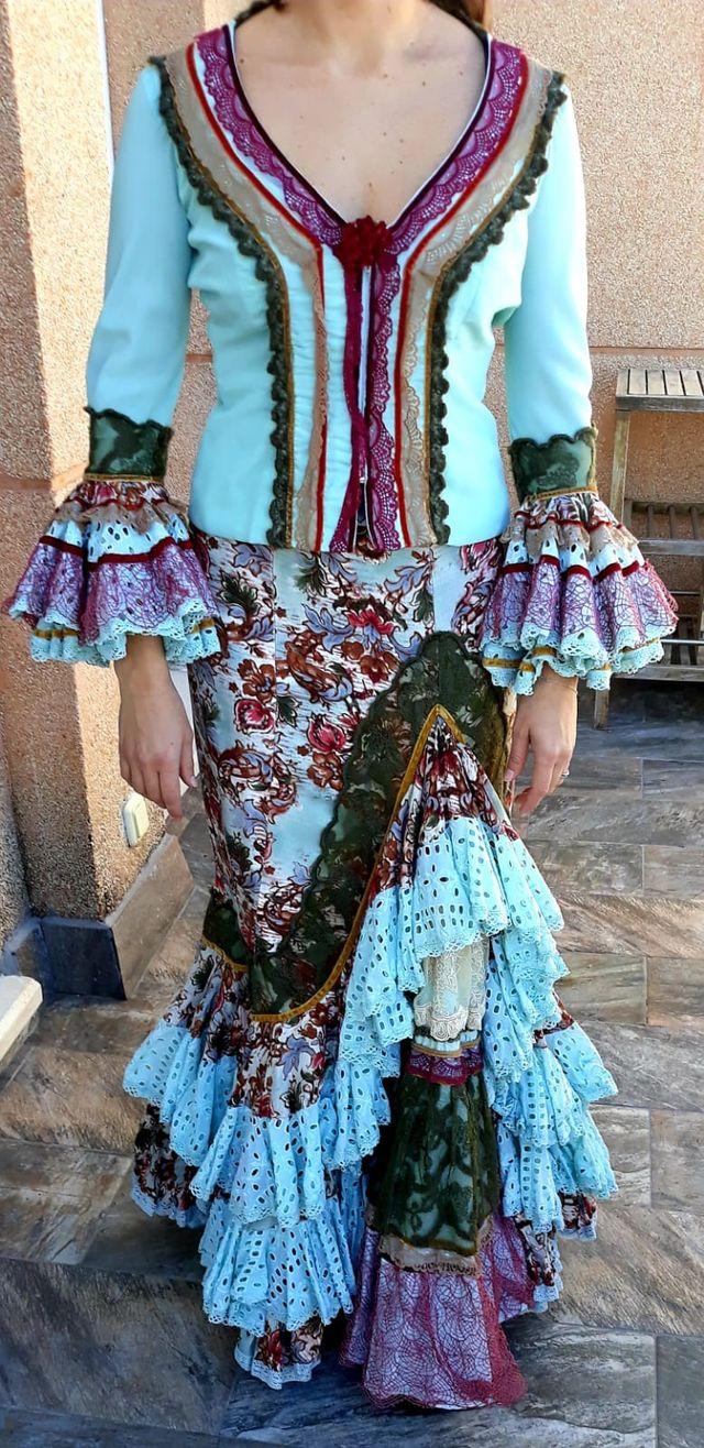 a3a981cab599 Falda Y Blusa Flamenca