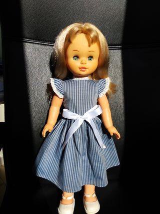 Muñeca Sally