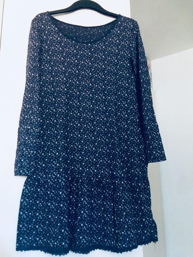 5739d94d1a Vestido azul flores pequeñas de segunda mano por 5 € en Sabadell en ...