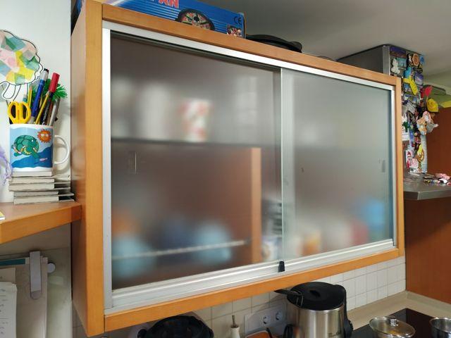 Mueble cocina puertas correderas cristal de segunda mano por 50 € en ...