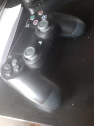 playstation4 con 1 tb de capacidad...