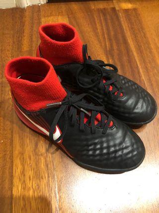 Botas fútbol multitacos Nike t.35