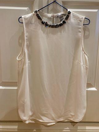 1316fda12805d Blusa de fiesta blanca de segunda mano en Madrid en WALLAPOP