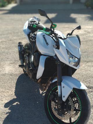 Kawasaki Z750 AÑO 2011
