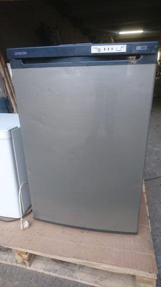 Congelador escarchador de vasos marca FRICON