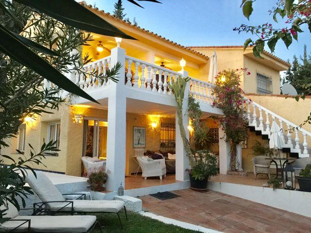 Formidable villa frente al mar de Buenas Noches (Bahía de Casares, Málaga)