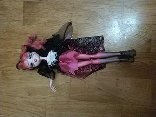 muñeca Monster high draculaura de fiesta