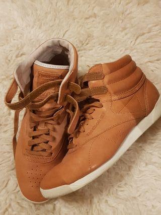 playeras zapatillas de bota Reebok