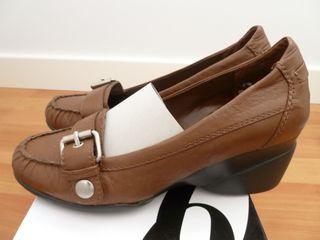 Zapatos mocasín de piel color chocolate Nine West