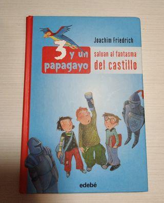 """Libro """"3 y un papagayo"""""""