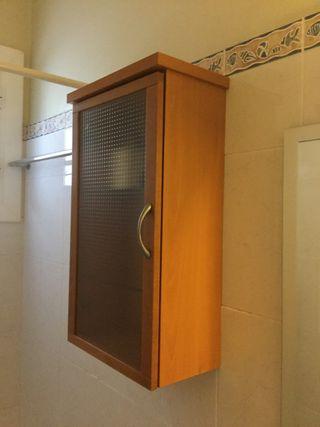 Armario colgante baño